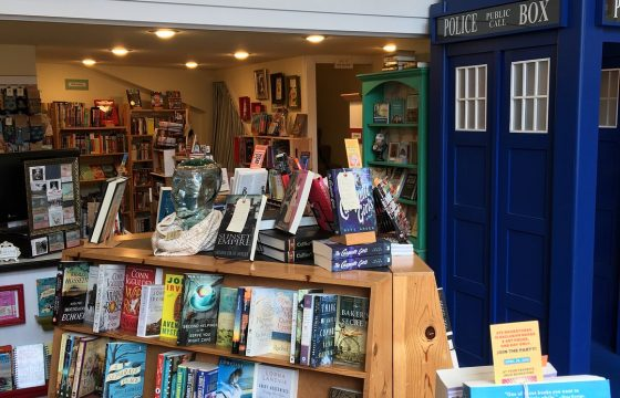 Shopping Astoria Oregon Coast Books bookstore